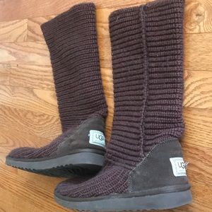 Brown crochet ugg boots only worn once *